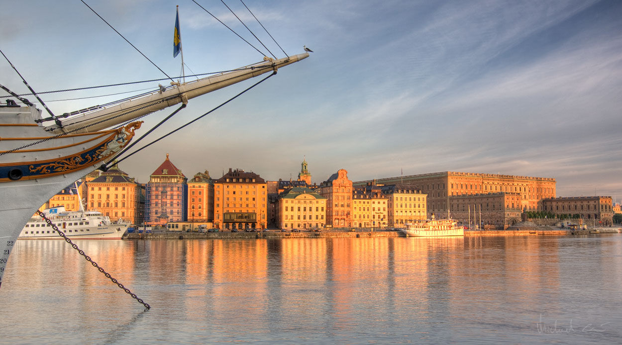stockholm castle and ship